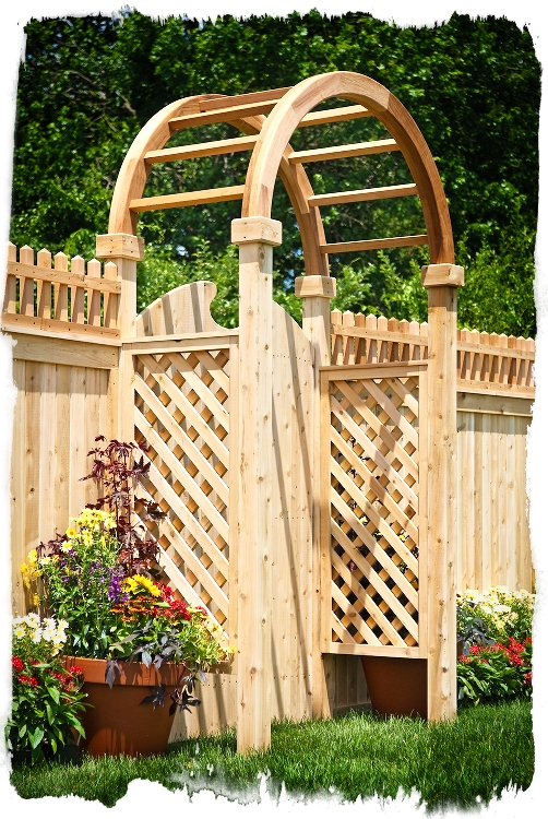 Wood Fence Manufactured by Eastern White Cedar Brand Wood Fence
